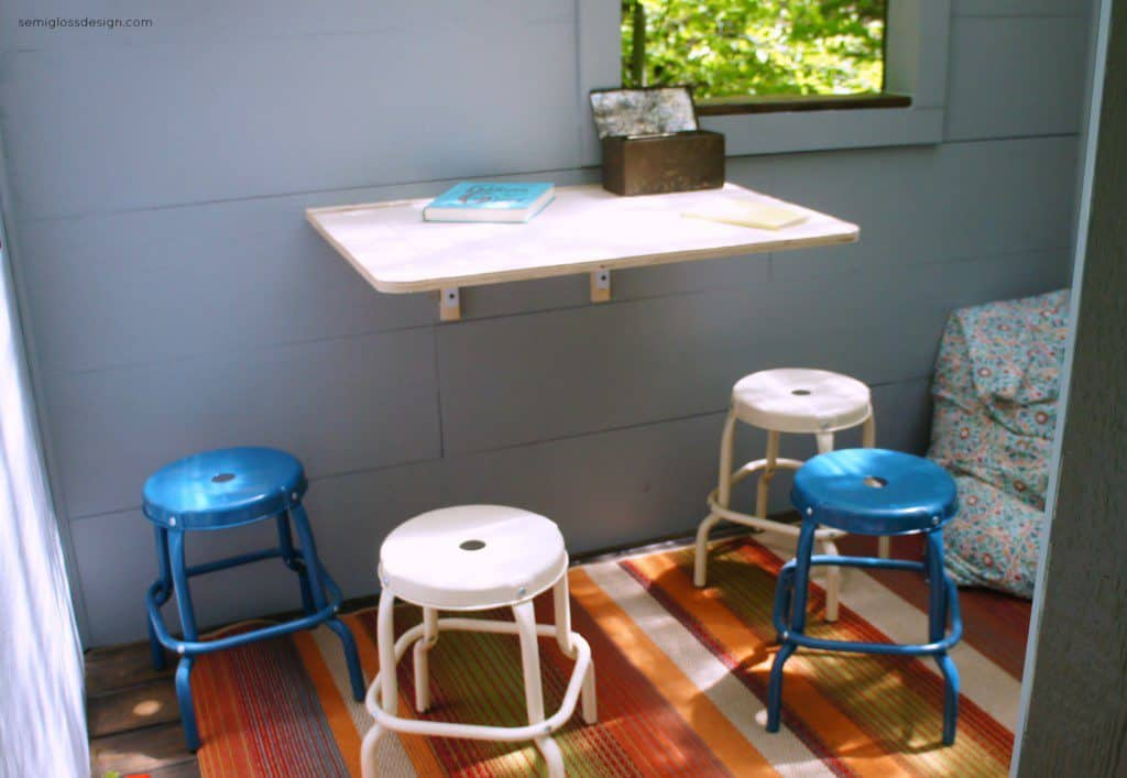 Treehouse table and stools