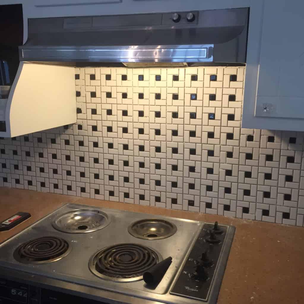 installing tile sheets for backsplash