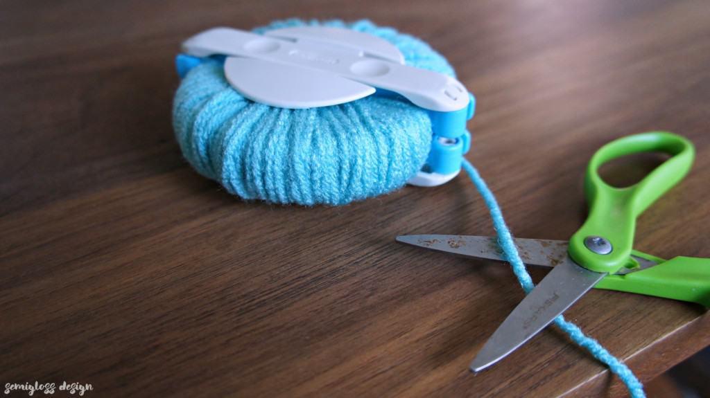 cut the yarn