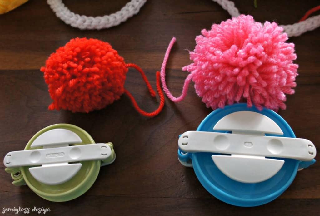 pom pom maker sizes