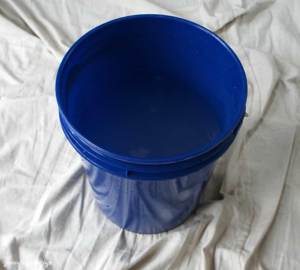 mixing dye vat