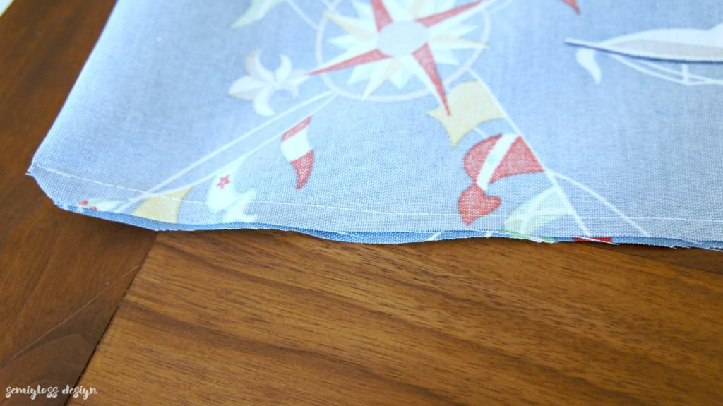 How to sew a zipper in a pillow. It's much easier than you think! Stop being afraid of zippers with this simple tutorial.