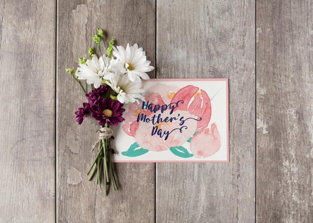 mothe's day card with daisies