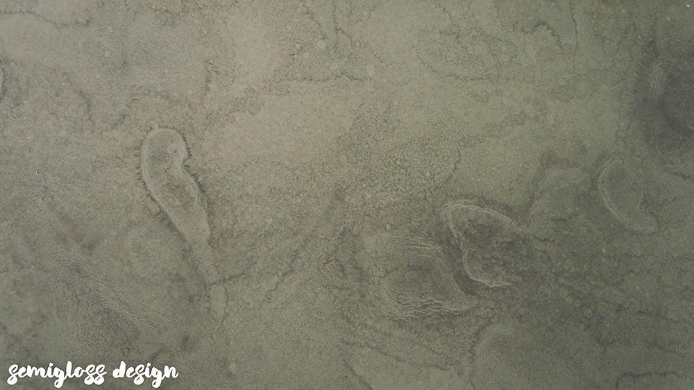 swirls and glitter in epoxy countertop