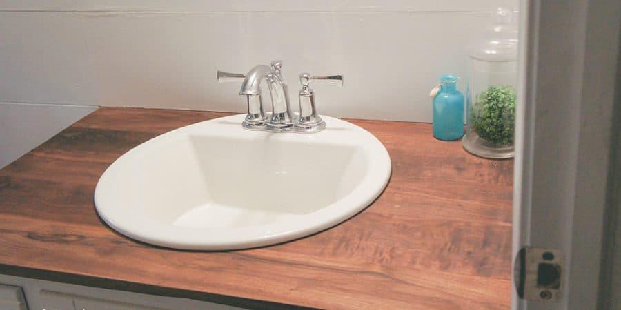 build wood countertops | bathroom upgrade | DIY wood countertops | DIY bathroom countertops | budget friendly countertops | DIY countertops