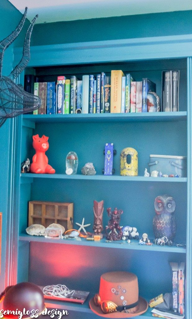 teen boy room | small boy room | boy room on a budget | cool teen boy room | green teen boy room