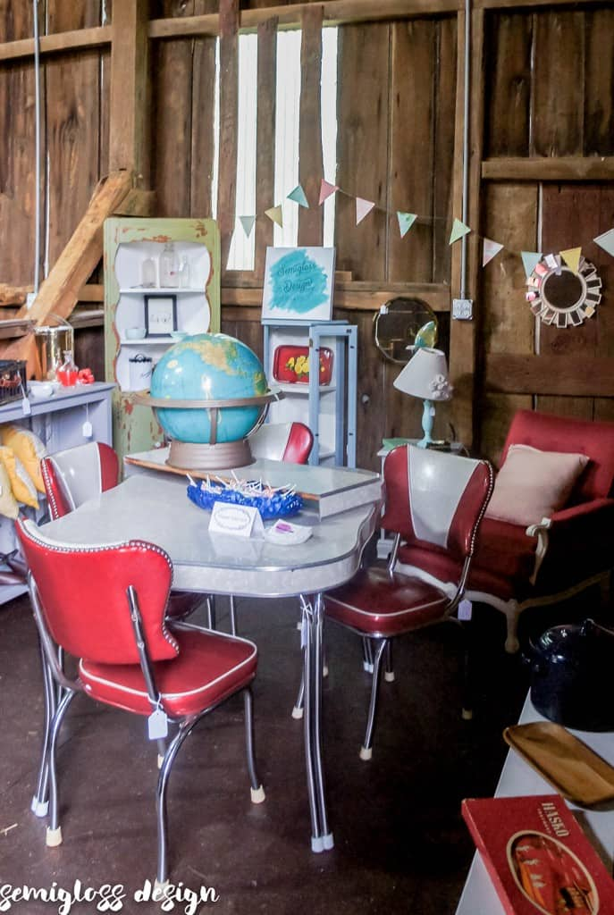 Do you dream of being a vendor at a barn sale? Here's some a few things that I learned during my first barn sale.
