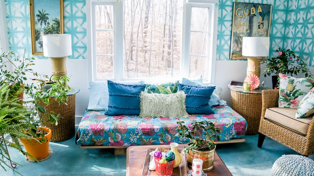 daybed in sunroom