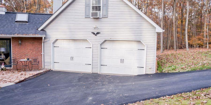 vintage inspired garage | garage organization | garage design | tool storage | pegboard | scrap wood | wood storage #garage #garageorganization #workshop #DIY