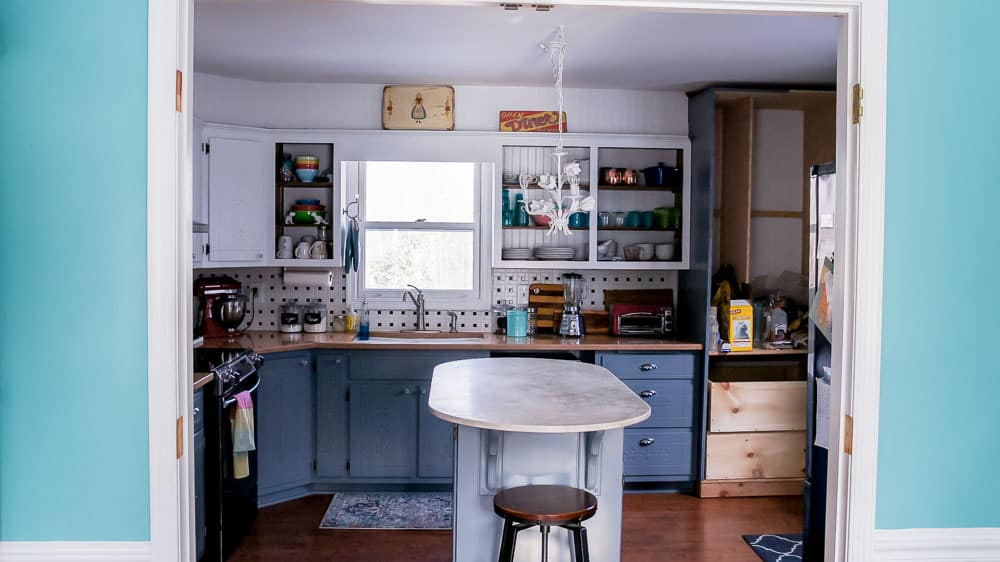 Want To Update Your Kitchen On A Budget? Learn The Easiest Way To Paint  Kitchen