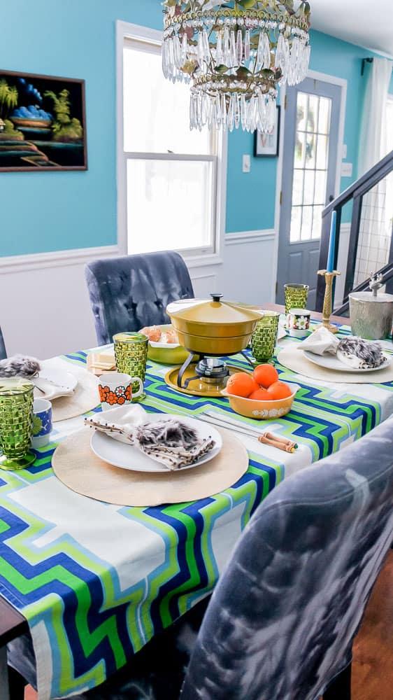 Plan a vintage style fondue party. Plus tips to make it totally stress-free. #fondue