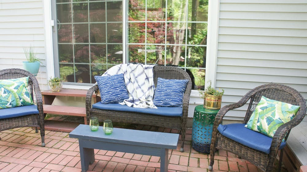 Colorful Patio Decor for the Summer