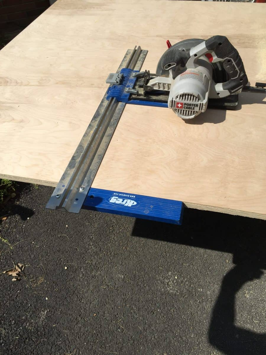 Cut wood with saw guide