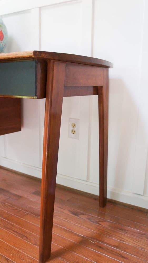 Legs of inspiration desk