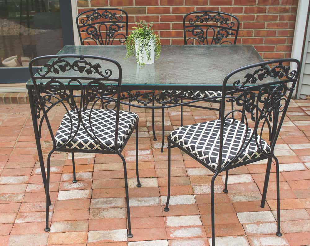 how to paint wrought iron furniture for a patio