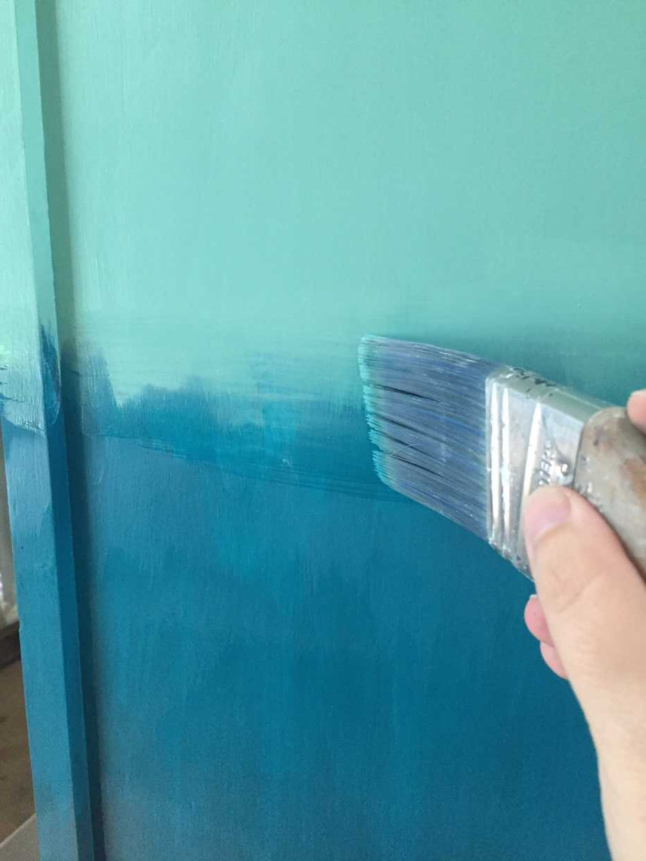 Want to bring a beachy boho look into your home? Create a blended ombre dresser with this fun painting technique. This furniture makeover is easier than you think!