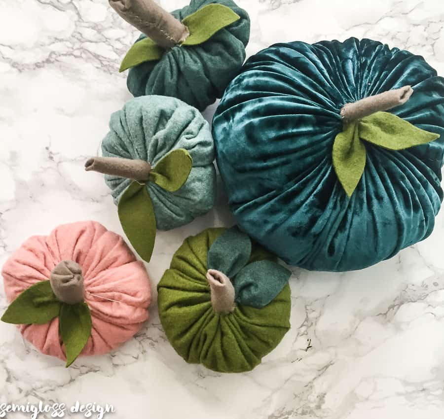 gorgeous felt pumpkins