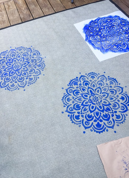 layout of rug stencil