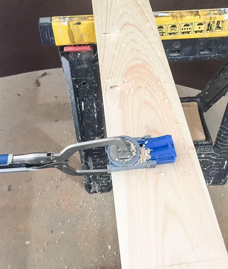 use kreg jig to make pocket holes