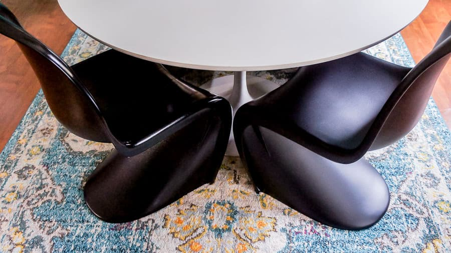 modern tulip table and S chairs