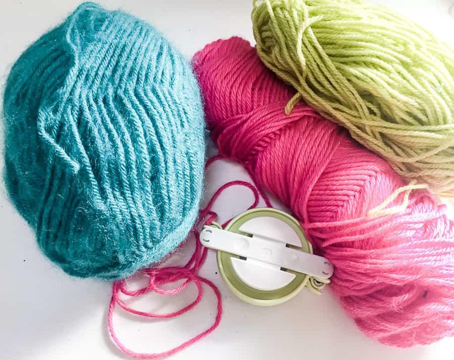 yarn and pom pom maker