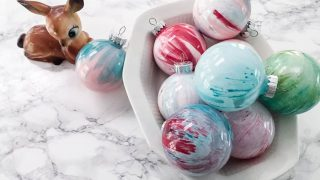Make Your Own Christmas Ornaments: Paint Swirl Ornament