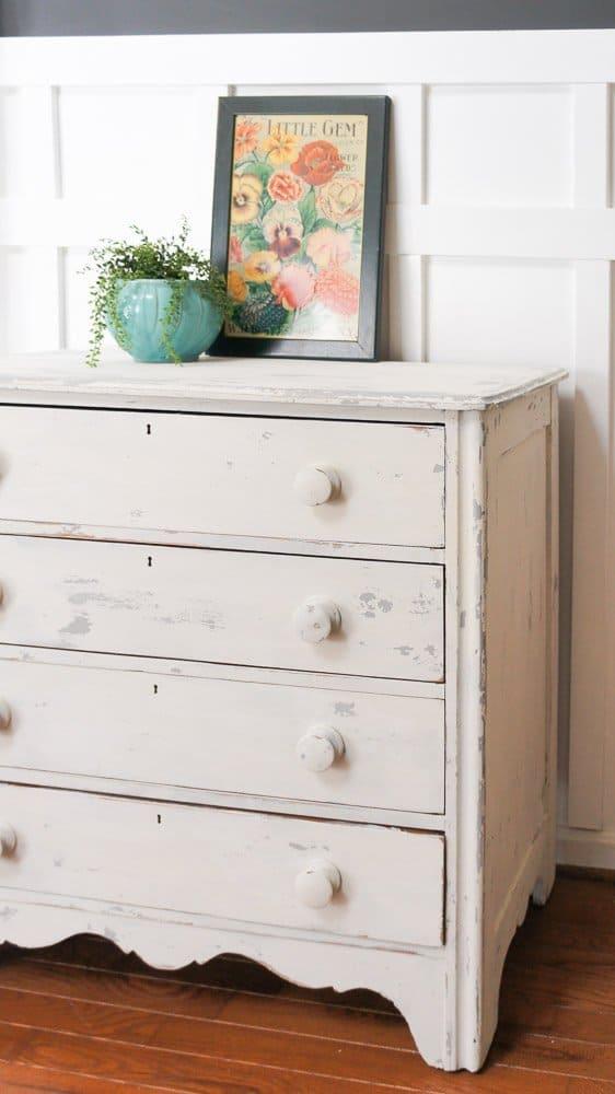 chippy farmhouse dresser