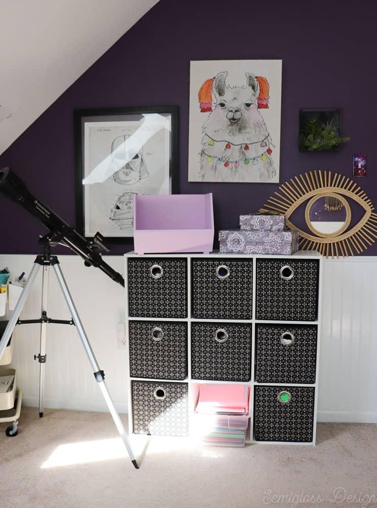 art storage in tween bedroom