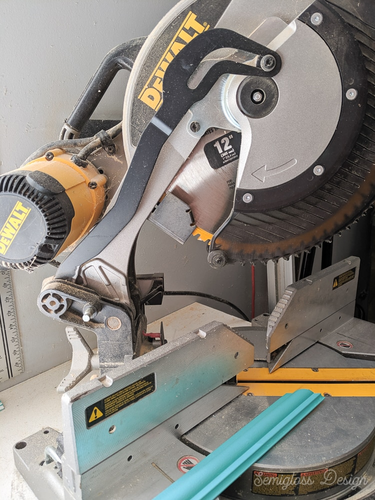 use miter saw to cut trim