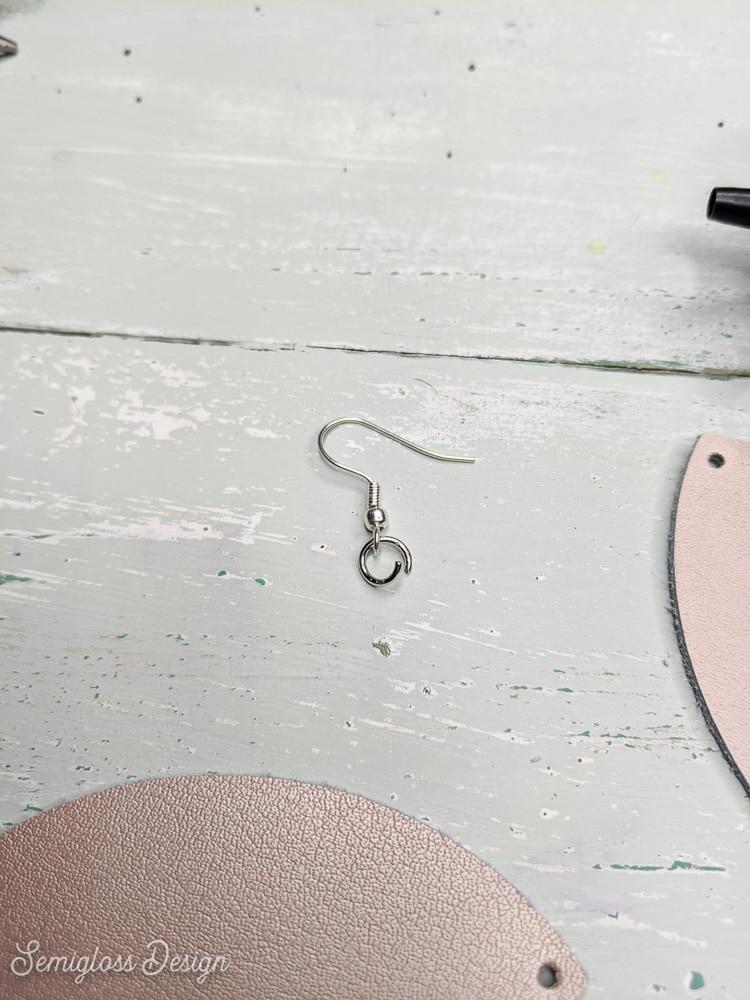 jump ring in earring hook