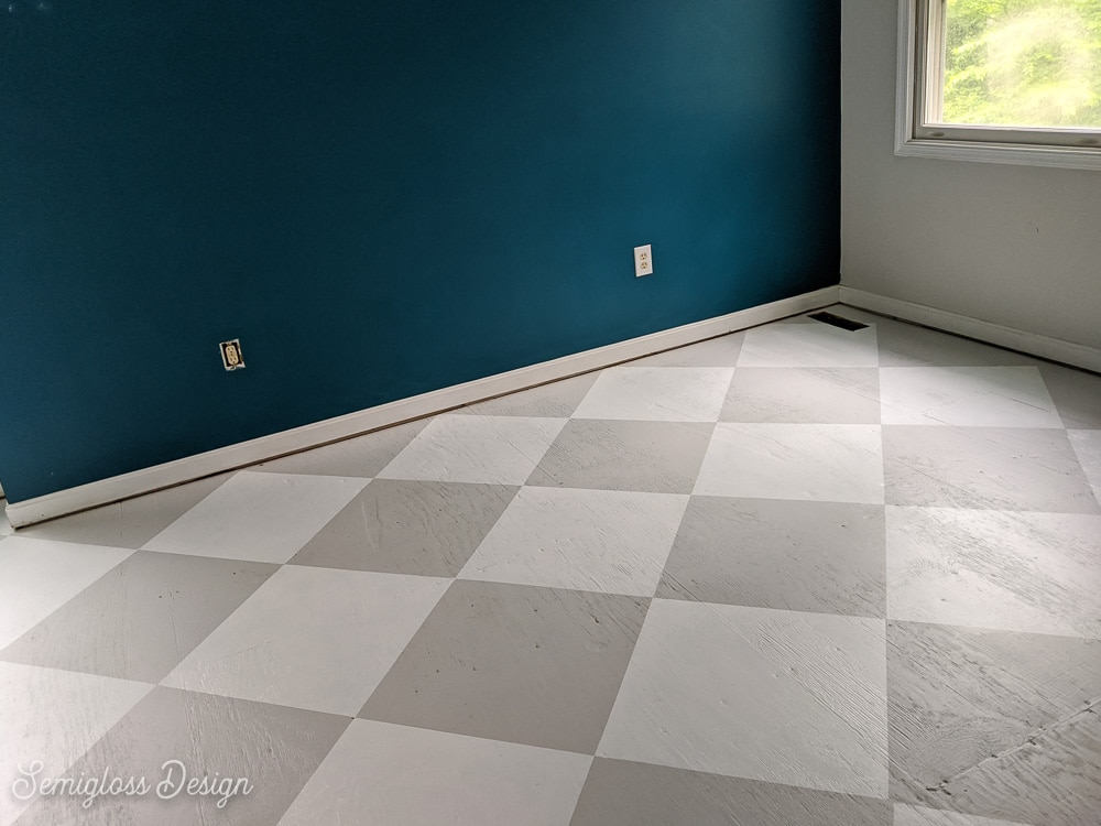 gray and white checkerboard floor pattern