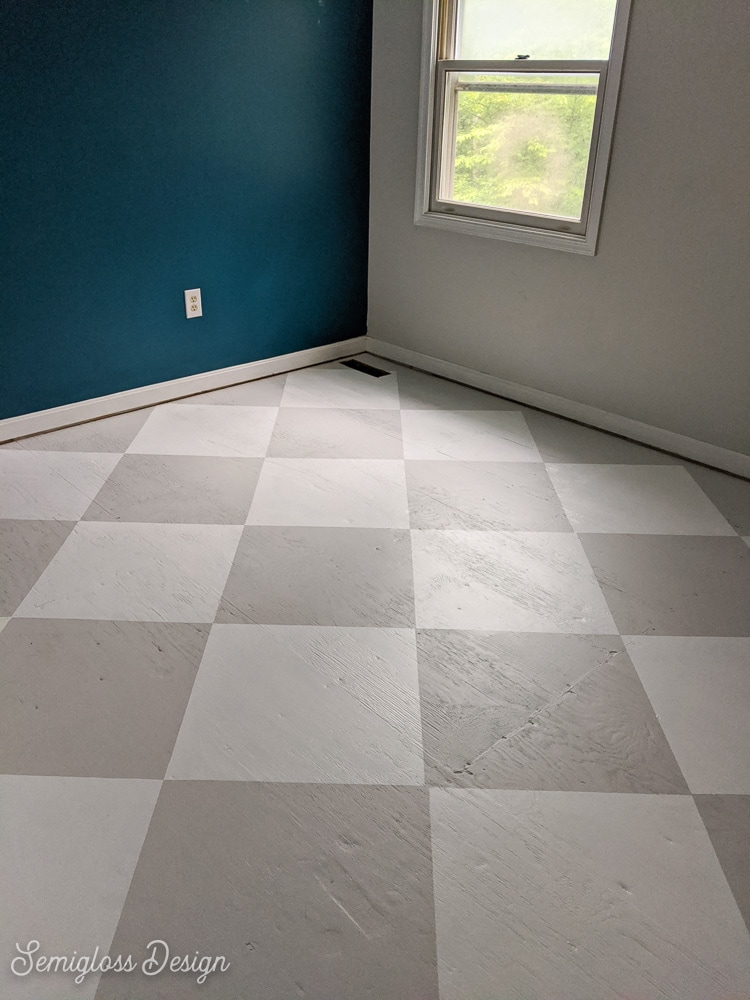 gray and white checked floor pattern