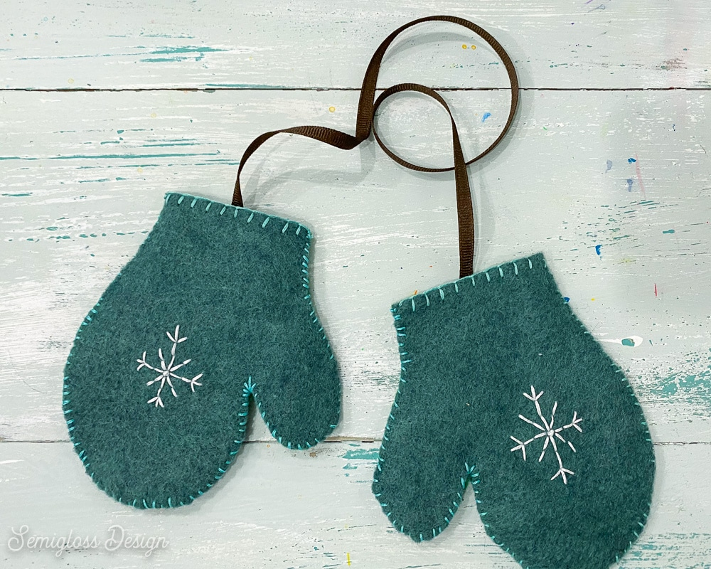 felt mittens with ribbon attached