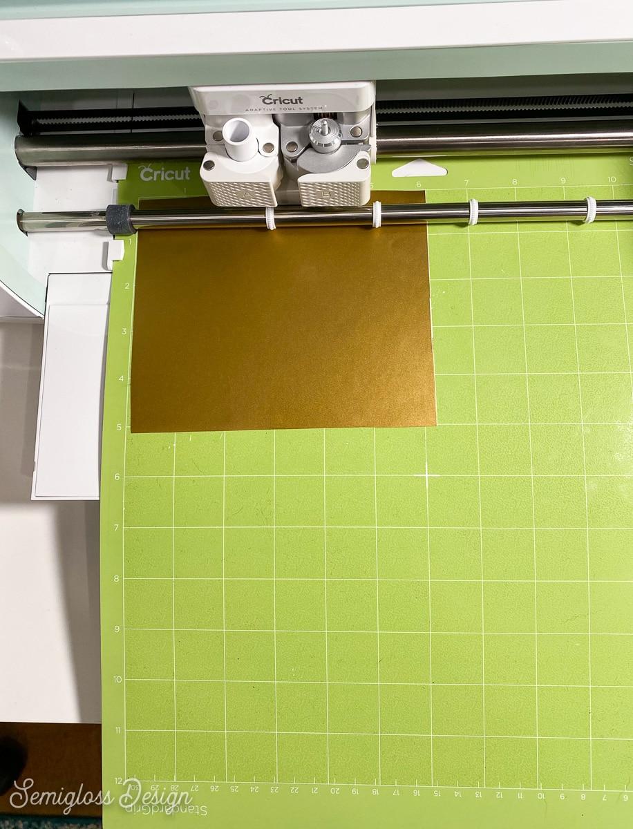 placing mat in cricut maker