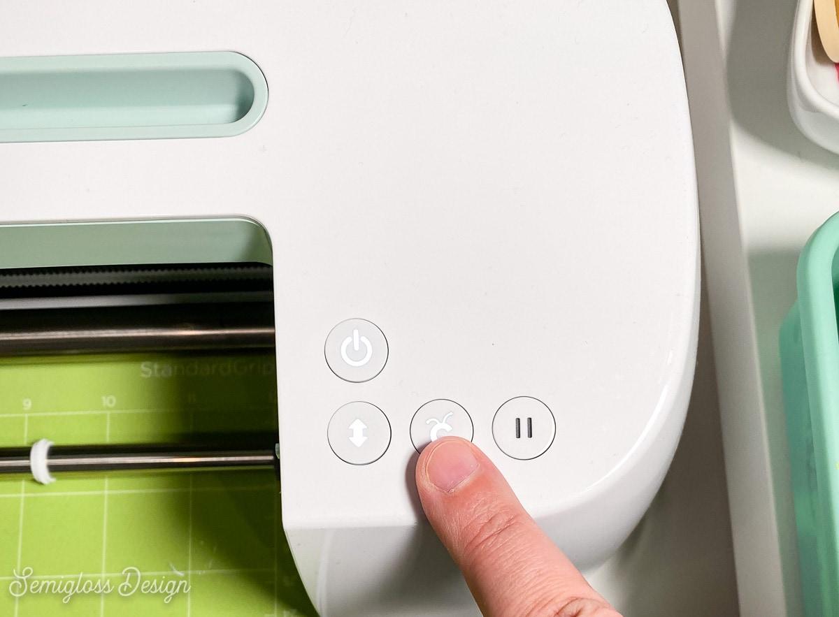 pressing start button on cricut