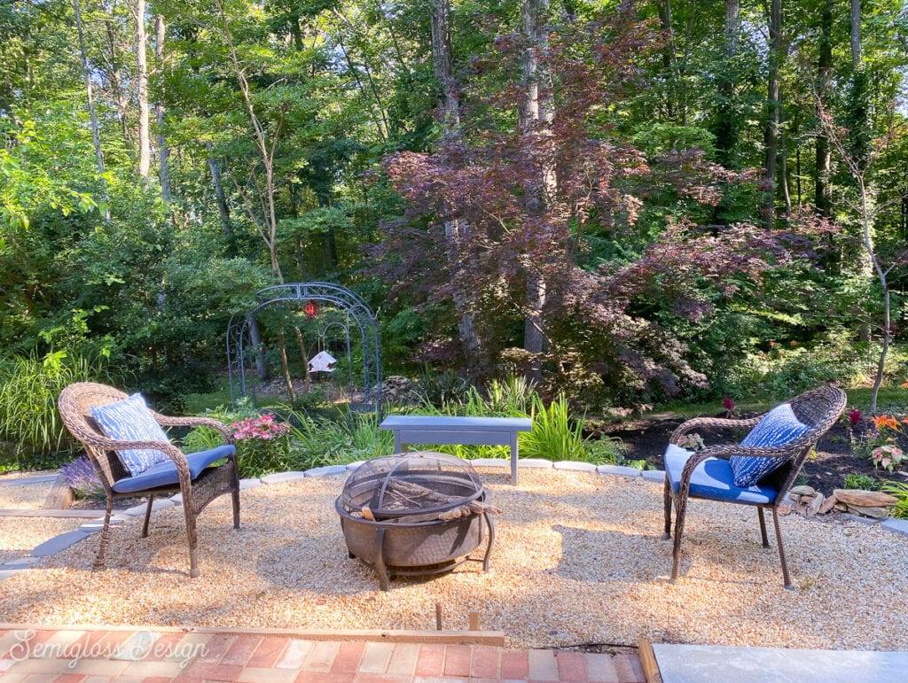 patio area with firepit