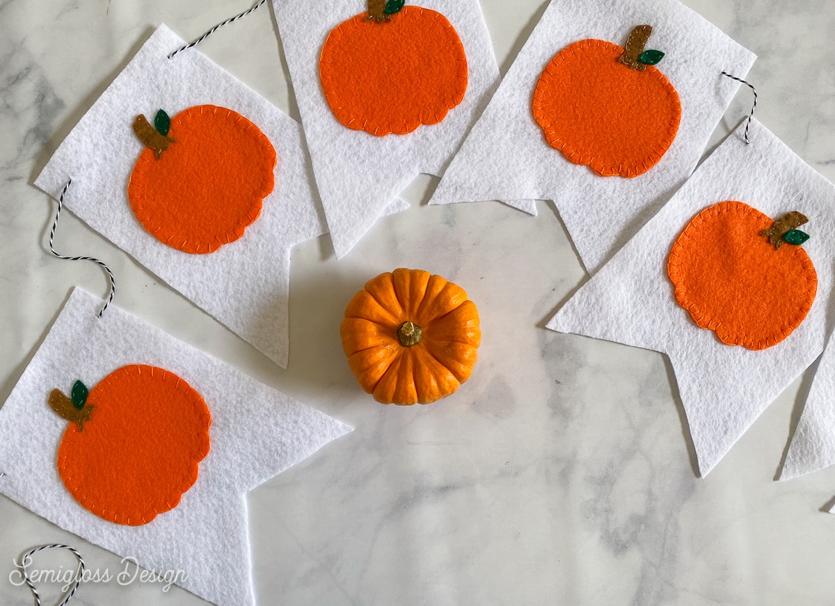 pumpkin banner with little pumpkin